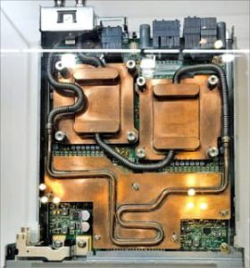 슈퍼컴퓨터 CPU에 장착된 캐스트맨의 구리 냉각기.